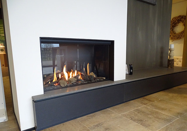Panoramic Gas Fire Chimney Breast